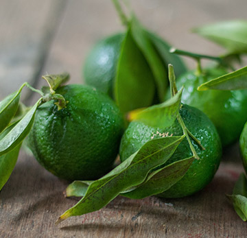 Innovative Natoora Products: Green Mandarins sourced direct from a grower in Sicily